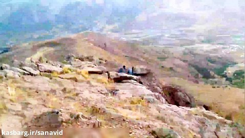 نمایی از شهرستان بانه و کوه های اطراف از بالای قله بابوس