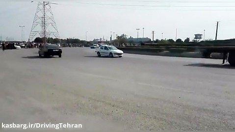 حرکت نمایشی با ماشین دنده عقب رفتن دور میدان